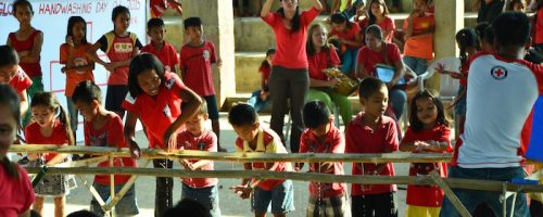 Children at Lanao Elementary School. 22/10/2015. Philippines, Cebu, Daanbantayan, Lanao. Learning how to wash hands. Photo by Eli Tambiga. Japanese Red Cross Society / Philippine Red Cross