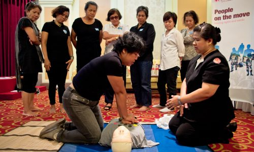 Thai Red Cross equips Burmese migrant workers with life-saving techniques in September 2016. Photo by IFRC.