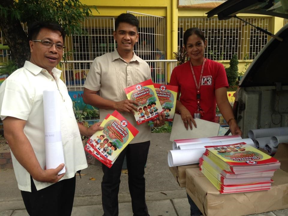 Distribution of workbook and porsters in Carlos L. Albert High School as teaching IEC materials last July 13, 2017. Photo by Philippine Red Cross.